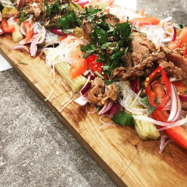 Szechuan noodle n pork salad! nymo nyhetsmorgon lyxlagat